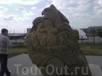 скульптура из калмыцкого эпоса -  семья