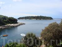 вдоль побережья Истрии много мелких островов и бухт, красивые виды получаются, и любоваться ими одно удовольствие, а особенно когда яхты выходят в мор