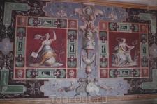 Здесь и далее -  фрески Третьего этажа Виллы.