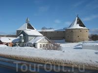 Древняя Староладожская крепость, ставшая «сердцем» сегодняшней Старой Ладоги, стоит на месте впадения реки Елена/Ладожки в Волхов.
