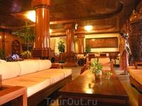 Вестибюль нашего отеля