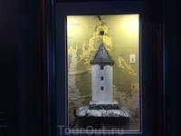 Туве Янсон увидела этот маяк, когда плавала на лодке - и благодаря ее фантазии этот маяк стал домом муми-троллей.