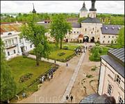 Двор старого монастыря