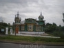 Такие милые теремки стоят по дороге от Нижнего Новгорода до Суздаля.
