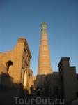 Хива – город-музей под  открытым небом. Возраст  города – 2500  лет. в 1990  году  ЮНЕСКО включил его в программу Всемирного Наследия.  Расположена в 30 ...