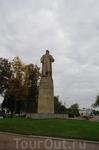 На следующее утро прибываем в Кострому , делимся на группы и отправляемся на автобусную экскурсию.  У памятника Ивану Сусанину , герою , родившемуся в ...