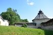 Псков, Покровская башня, одна из башен окольного города, защищавшего посады. Самая большая башня в средневековой Европе, имела 5 рядов бойниц.