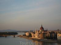 вид на парламент с Будайской крепости
