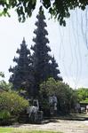 На Бали несметное количество храмов...