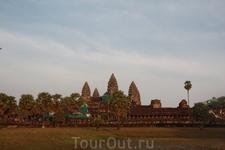 Ангкор-ват («город-храм») - восьмое чудо света