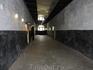 Сегодня одно из зданий тюрьмы открыто для посещения, так что каждый может пройтись по коридору и заглянуть в некоторые открытые камеры.