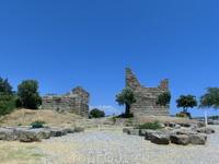 Ворота Миндоса, будучи частью городских стен, окружавших древний Галикарнассос, служили западным входом в город. Своё название они получили в честь Миндоса ...