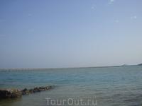 Море в Эль Гуне мелковато. Поэтому на глубину удобнее по пирсу гулять =)