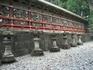 Эти каменные фонари жертвуют храму прихожане