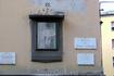 Обереги в виде икон или мелких скульптур по углам зданий в Италии встречаются повсеместно.