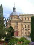 Это здание, примыкающее к колледжу - маленькая церковь Святого Себастьяна, построенная в XVI веке. Она долгое время использовалась как капелла колледжа ...