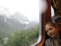 Фломская железная дорога — невероятный железнодорожный маршрут от горной станции Мюрдал к станции Флом.  Перепад высот ветки составляет 863 метра.