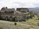 Отыскал в инете фото крепости Рабат до реставрации. Какая то она не такая. можете сравнить сами