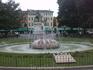 фонтан Альп с мемориальными досками от городов-побратимов Вероны