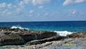 Это не Ямайка - это остров Гранд Кайман, колония Англии. Его в списке нет.