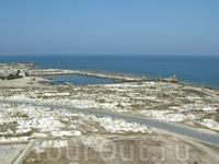 Махдия, вид с крепости Эль Бурж Махдия. Пуническое кладбище.