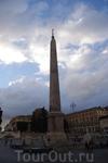По следам &quotАнгелов и Демонов&quot Пьяцца дель Пополо, здесь расположена церковь Санта-Мария дель Пополо.