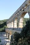 Этот акведук был построен для снабжения Нима питьевой водой.