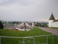 Кремль. Юго-Западная башня Круглая по форме башня расположена на юго-западном участке крепости. Построена в 1556—1562 гг. псковскими мастерами во главе ...