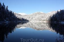 Озеро Untersee - часть озера Eibsee, соедененная с ним проливом.
