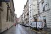 у входа в музей Музей Карнавале, вход в который расположен в доме № 23 по улице Севинье, рядом с улицей Фран-Буржуа, располагает замечательной экспозицией ...