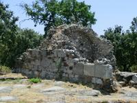 Первые работы по восстановлению ворот Миндоса начались 15 июля 1998 года. Были проведены археологические раскопки у подножий северной и южной башен ворот ...