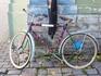 Вот такой милый велосипед-реклама магазинчика для любителей шитья и вязания!