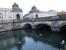 Дворец окружён каналами, поэтому с разных сторон к нему ведут восемь мостов. Перед нами один из них - Мраморный мост.