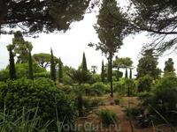 Очень красивый вид. Немного полезной информации: Ботанический сад работает каждый день, кроме понедельника, с 10 до 6 вечера. Вход - 6 евро.