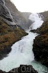 Вот он красавец - водопад Кьосфоссен (Kjosfossen) в хорошую погоду на водобпаде появляется хюльдра - красивая молодая девушка (с коровьим хвостом), которая ...