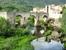Мост Бесалу перекинут через небольшую речку, очень живописную