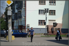 на углу пр. Ленина и ул. Николаева