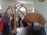 реконструкция найденной древней колесницы, в масштабе 5:1.