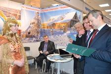 """""""Золотая Рыбка"""" знакомит с программой развития туризма в районе вице-губернатора Вологодской области и начальника департамента по туризму."""