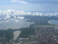 Летим на Ломбок, что в низу непонятно.