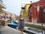 Остров Бурано, славиться тем, что все дома на нем разного цвета, т.к. в прошлом на него переселилось много однофамильцев, то решили красить дома в разные ...
