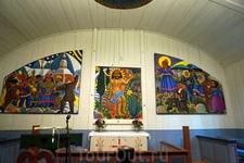 А могли бы вы себе представить, что иконостас в христианской церкви выглядит так? Бывает. Если вы в церкви саамов.