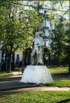 памятник Чапаеву в сквере на ул. Текстильщиков