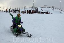 снегоход-шоу фестиваля Quiksilver New Star invitational в Игоре