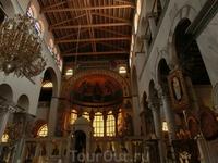 Внутреннее убранство храма Димитрия Солунского - святого покровителя Салоник