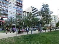 Продолжение Экспланады, парк Каналехос, тоже прекрасная зеленая прогулочная зона.