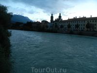 А вот и Инсбрук на реке Инн. Здесь необходимо перевести дыхание.