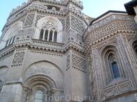 Собор в Сарагосе. Арабская часть Стиль Мудехар.
