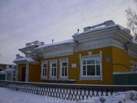 По всей России Вологда известна как «город, где резной палисад», и это не случайно. Вологда сохранила множество памятников деревянного зодчества, которые ...
