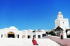 в окрестностях  ГУЭЛЛАЛА...остров Джерба. музей Гуэллала